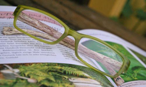Les lunettes, un accessoire de mode indispensable?