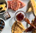 Repas_en_quelques_minutes_:_Coupes_de_petit_déjeuner_au_bacon,_aux_œufs_et_au_fromage