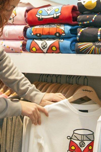 Boostez votre tenue avec un t-shirt pour femme sublimé par un message !